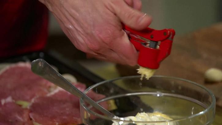 Protlačení česneku
