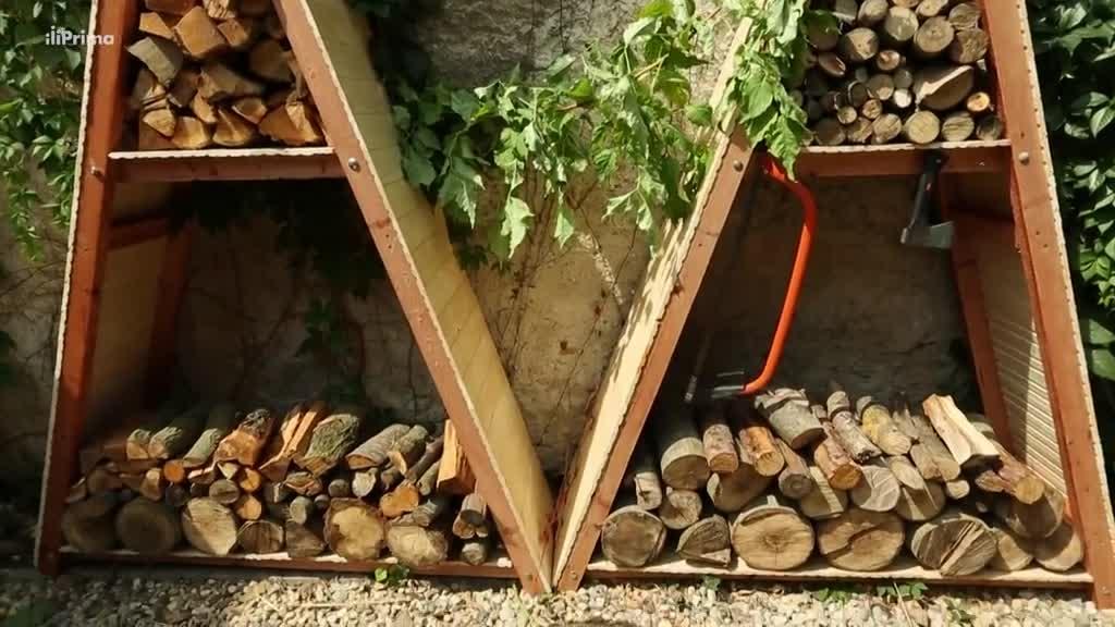 Návod na výrobu stylového dřevníku ve tvaru pyramidy