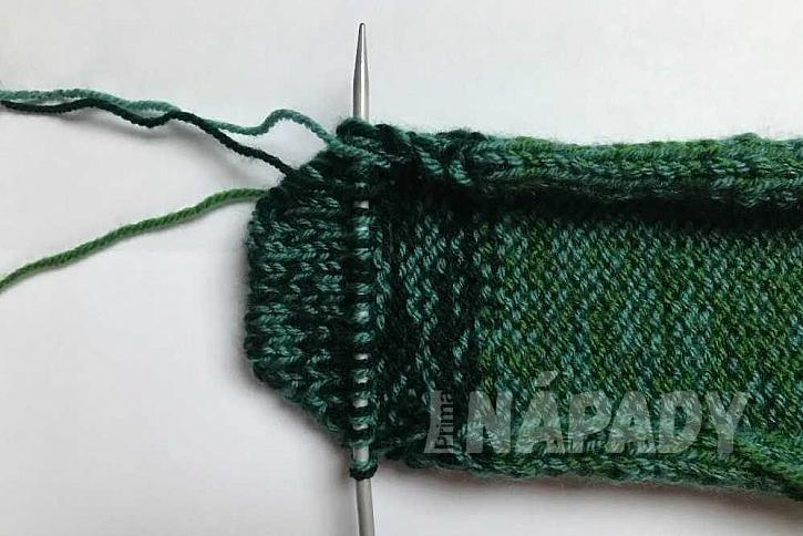 Ručně pletené ponožky: spodní část ponožky a špička