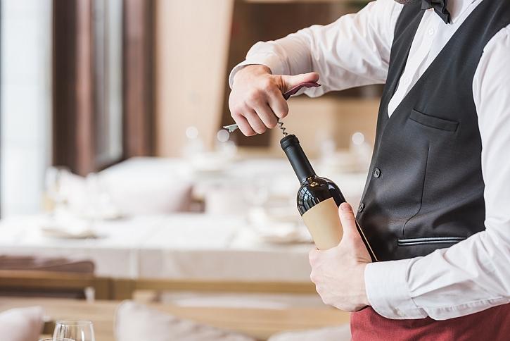 Otevřete víno jako profesionál (Zdroj: Depositphotos)