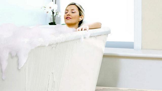Kvalitní hydroizolace bezpečně utěsní vaši koupelnu, už žádní vytopení sousedé!