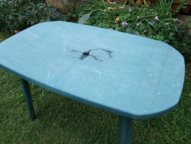 Antikutil - oprava stolu jako pro fakíra