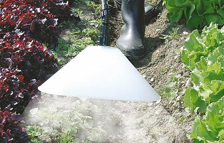 Aplikace herbicidu s ochranným krytem