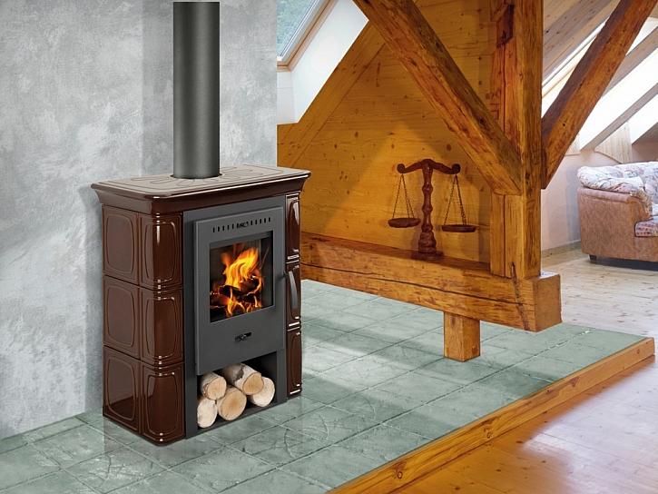 Z kachlových kamen teplo sálá i po vyhasnutí ohně – a to až 3 x déle než z kamen plechových. Na snímku model Broto.(Mountfield)