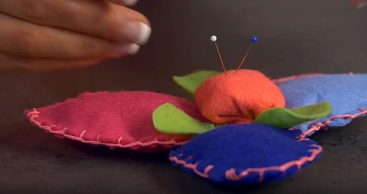 Jehelníček z plsti: Vsaďte na pestré barvy