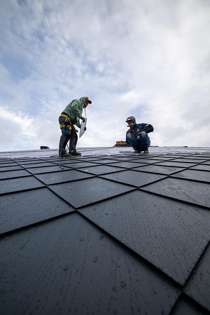 Pokládka střechy3
