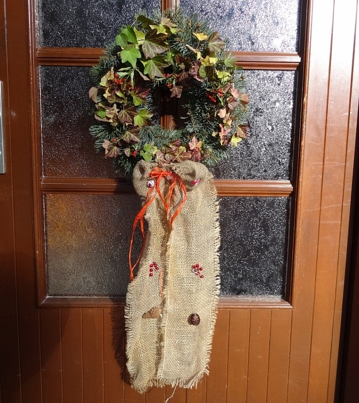 Vánoční dekorace od čtenářů - věnec ze šlahounů psího vína