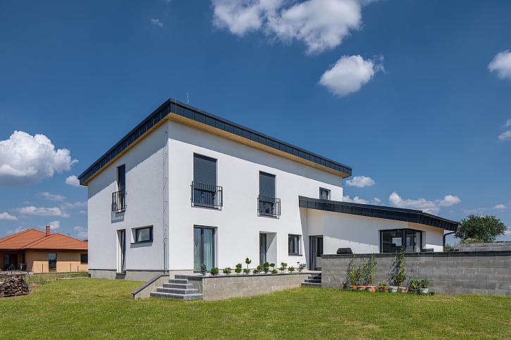 Projektant si na kraji jihočeské obce postavil vzorový pasivní dům ze systémů HELUZ (Zdroj: Heluz)