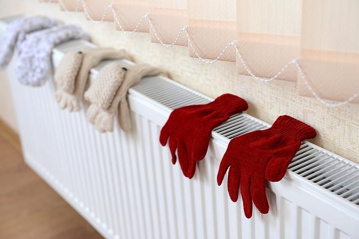 Sušení rukavic na radiátoru
