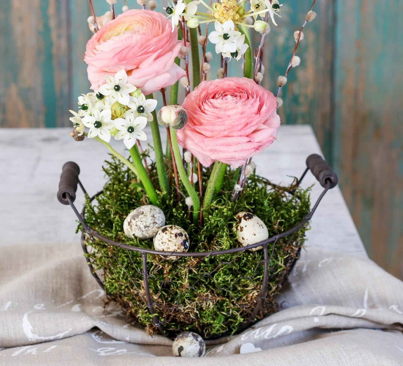 I na Velikonoce si můžete vytvořit vkusné květinové aranžmá