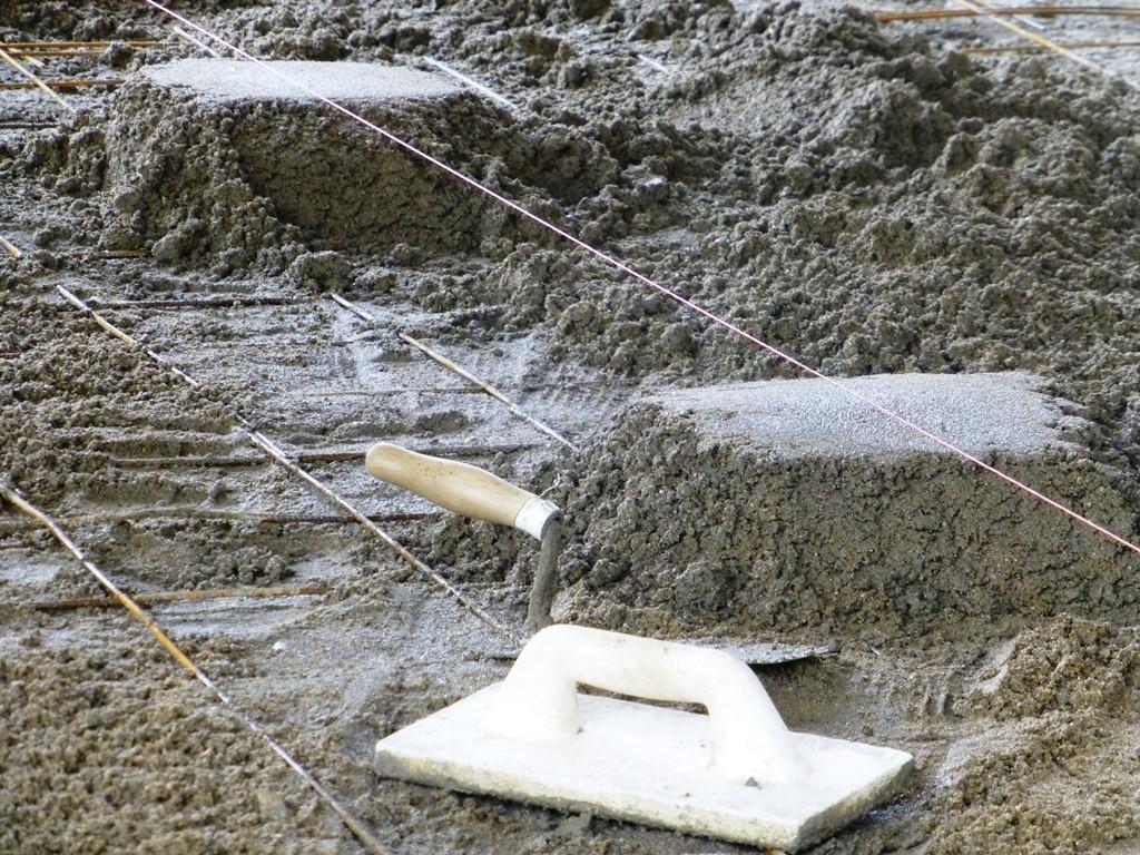 Kuchařka pro správně namíchaný beton svépomocí - s cementy Prachovice