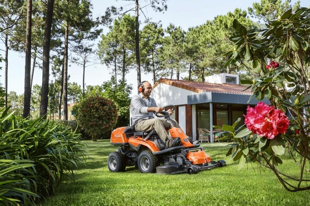 Zahradní rider slaví 30 let, Husqvarna uvádí jubilejní model