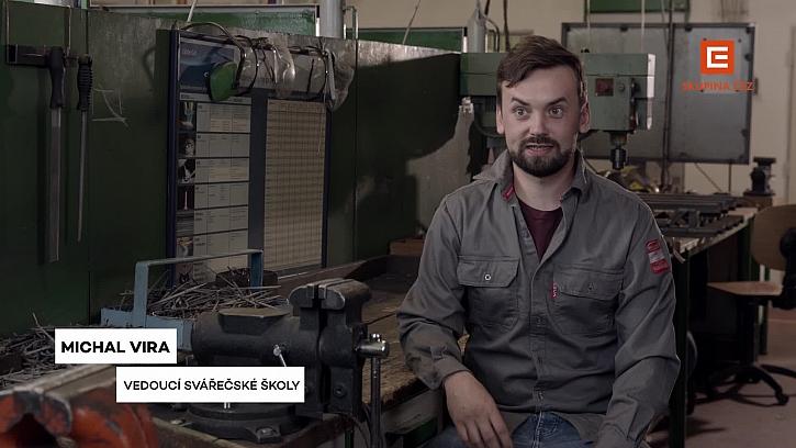 Michal Vira je Mirkův učitel a následně spolupracovník