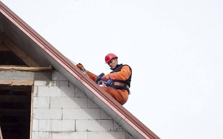 Instalaci větších a náročnějších střech svěřte vždy profesionálům