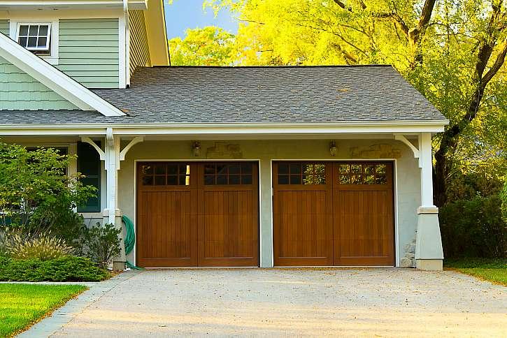 Vybíráte nová vrata do garáže a nevíte, pro jaká se rozhodnout?