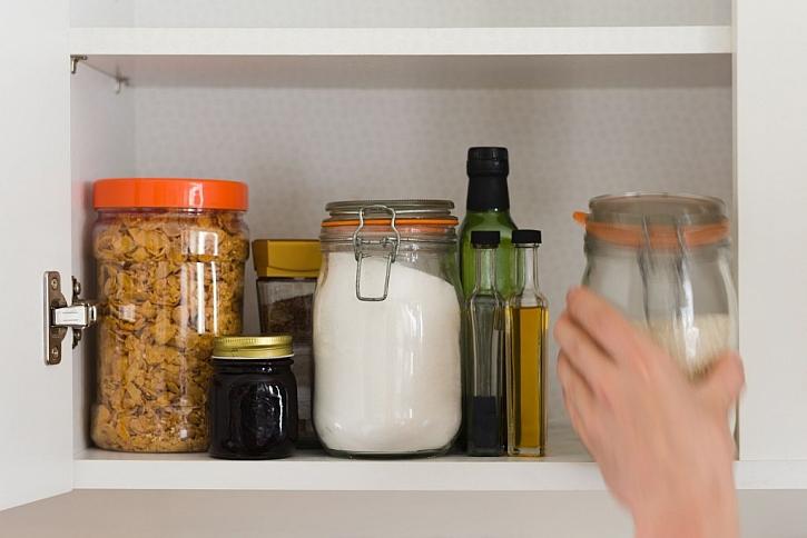 Potraviny je lepší ukládat do uzavíratelných nádob
