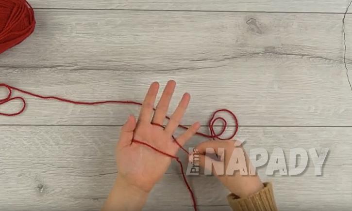 Propleťte mezi prsty