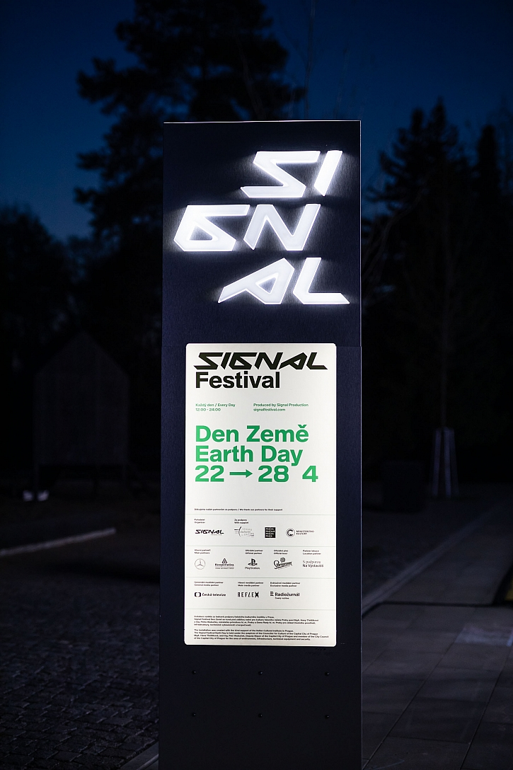 Den Zeme_signal_slavik_websize-8