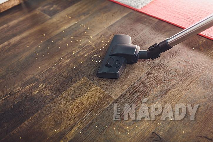 Vysávání plovoucí podlahy