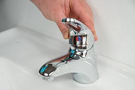 S trochou zručnosti zvládne opravu pákové baterie každý: Ani kapka vody nazmar