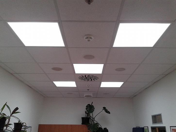 Potřebuji dodatečné izolační materiály k izolaci světlovodu?