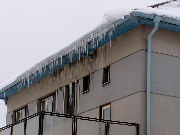 Sníh na střeše: Prověřte svou nemovitost dřív, než ji prověří opravdová zima!