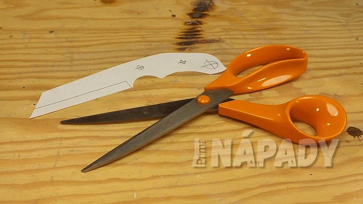 Výroba nože: vystřihneme zvolený tvar nože