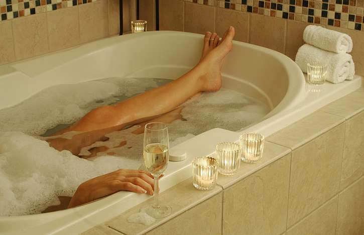 Nejlépe si odpočinete ve vaně, s jejíž montáží jste si poradili sami