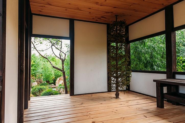 Japonské posuvné stěny si u nás získávají místo v interiérech (Zdroj: Depositphotos)