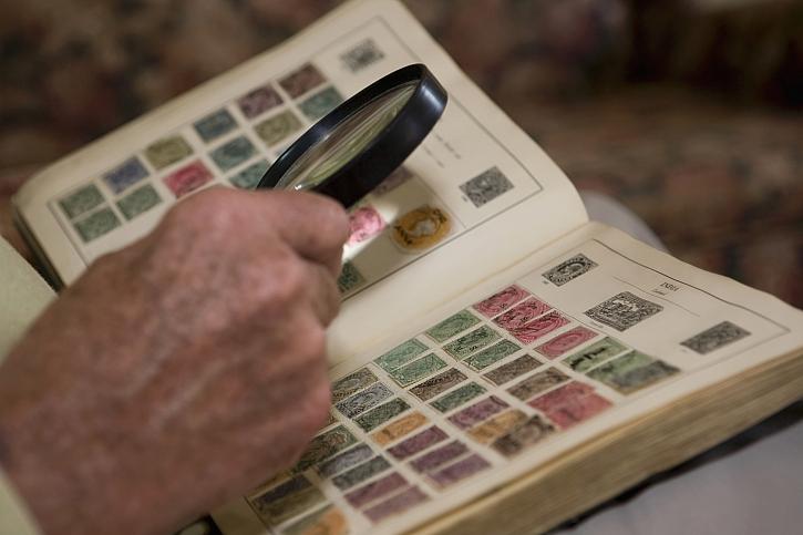 Češi jsou ve sběratelství světovou jedničkou Sbírají vzácné bankovky, zkameněliny i sýrové etikety (Zdroj: Depositphotos)