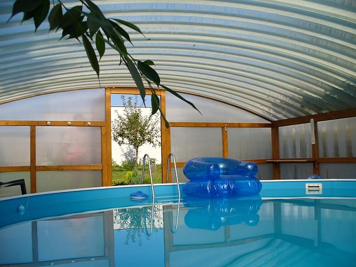 Zastřešením bazénu si prodloužíte léto i koupací sezónu