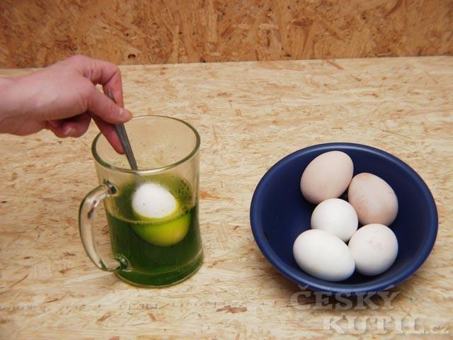 Návod na barvení velikonočních vajíček – barvy OVO