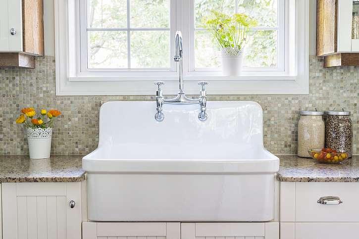 Když jsou porcelánová umyvadla nová, krásně září. Víme, co dělat, aby takto zářila i po letech používání (Zdroj: Depositphotos (https://cz.depositphotos.com))