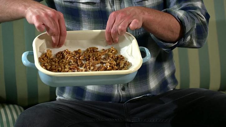 Vlašské ořechy na plechu