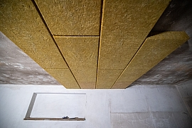 14. díl online stavebního deníku nás vezme na exkurzi a ukáže zateplování stropu garáže