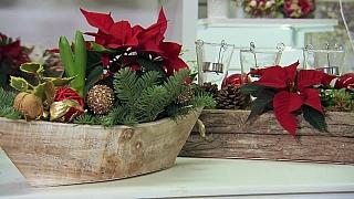 Originální květinové dekorace na vánoční stůl