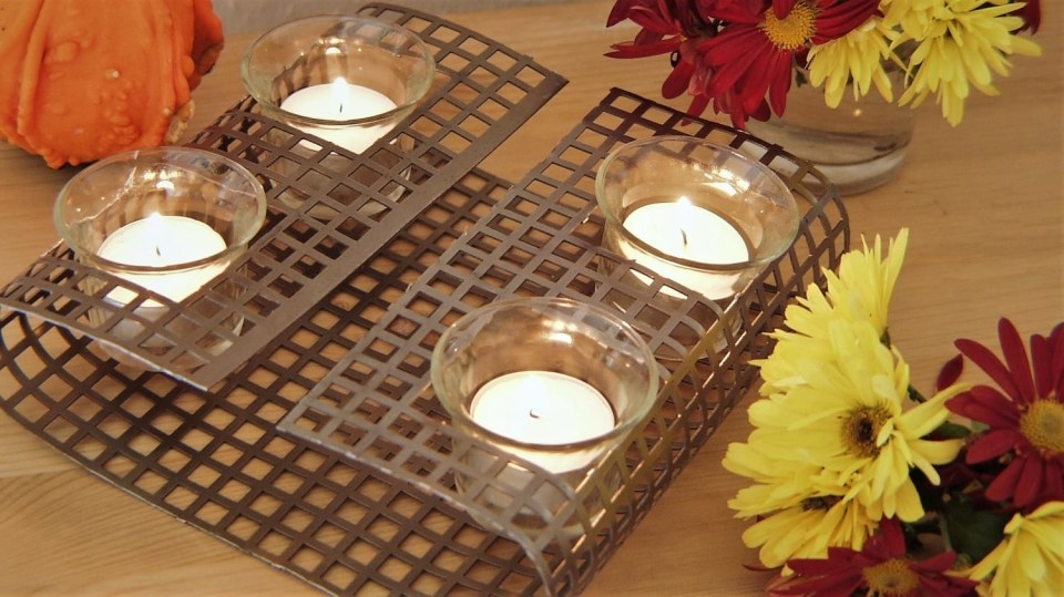 Stojánek na svíčky i ohříváček na čaj vjednom
