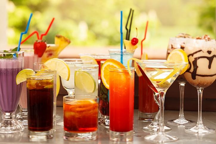 Připravte si osvěžující letní koktejly z vína (Zdroj: Depositphotos)