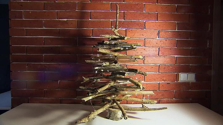 Rustikální stromeček z větví