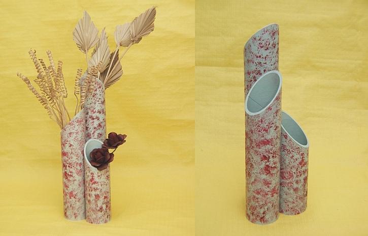 Váza z tubusů od koberců