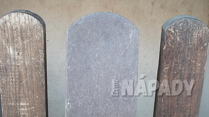 Výměna starých plotových planěk za plastové  4