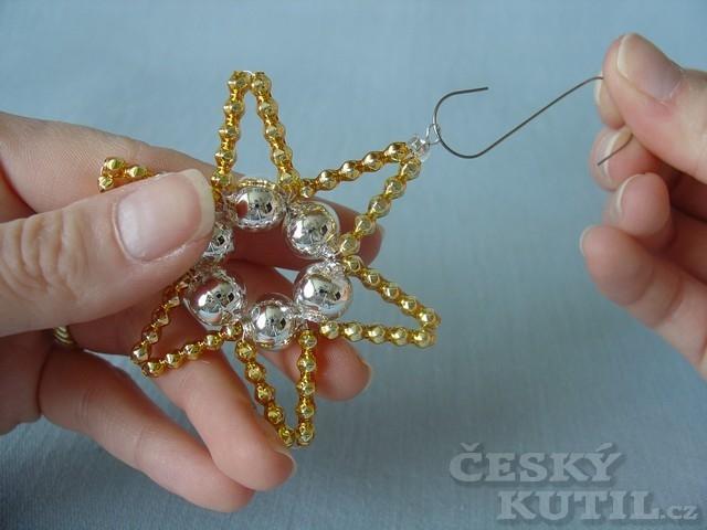 Vánoční hvězda z korálků - výroba ozdoby