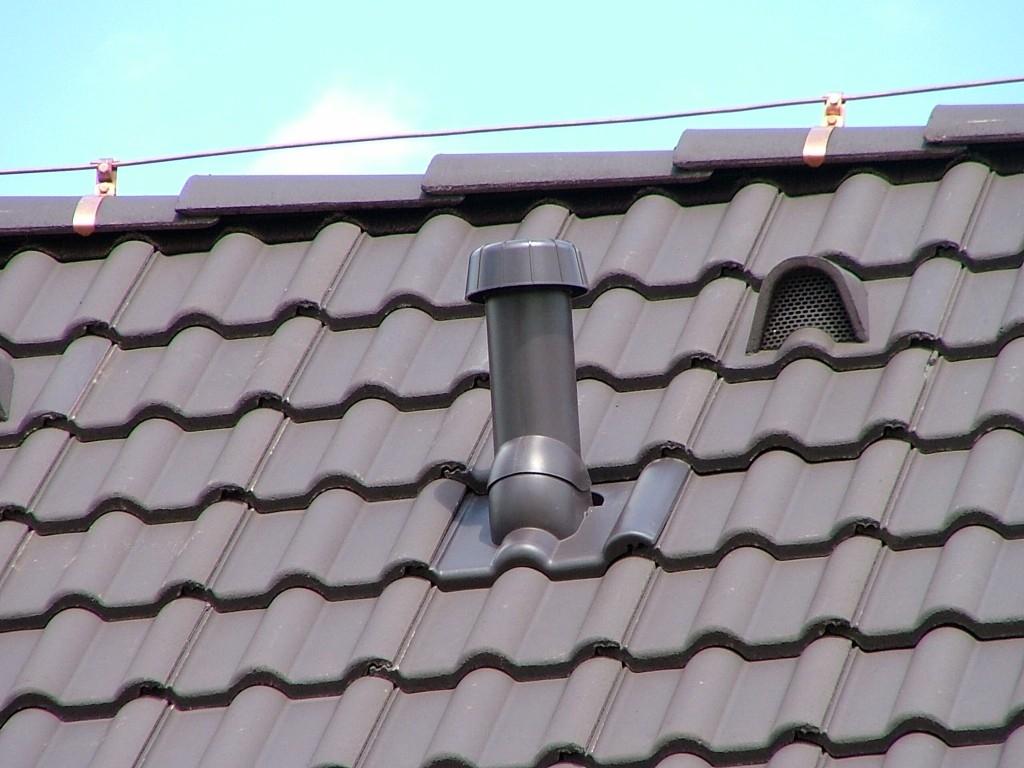 Vhodný výběr větracích prvků zajistí dostatečné odvětrání střechy a prodlouží její životnost