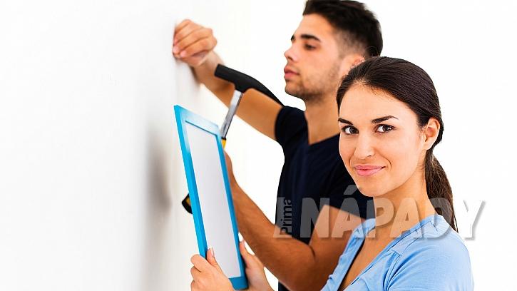 Jak pověsit obrázek na stěnu: Nejlépe to zvládnete ve dvou 2