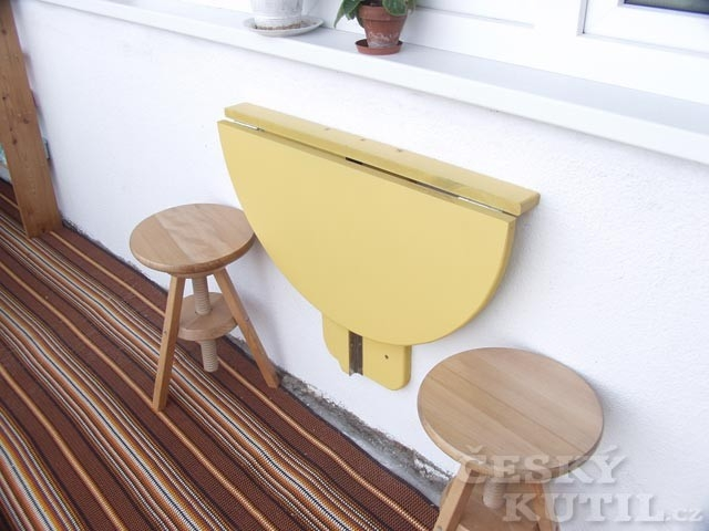 Sklopný stolek na balkon