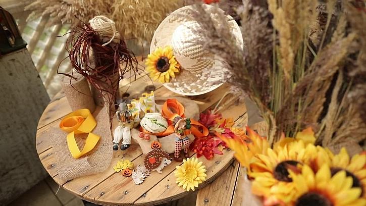 Klobouk a dekorace