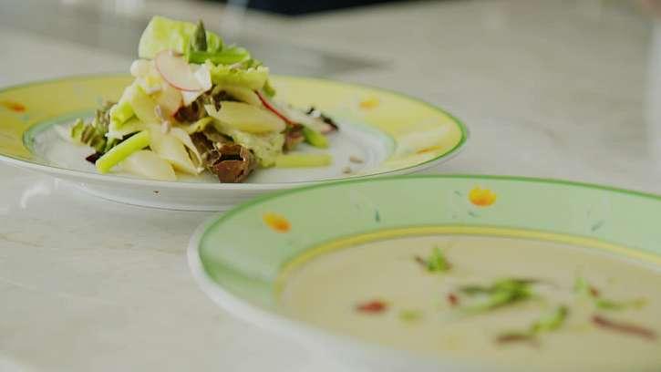 Chřestový salát a polévka z chřestu