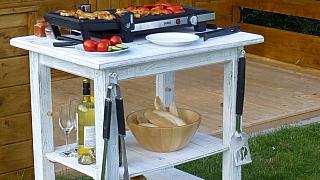 Originální patinovaný stolek na gril krok za krokem