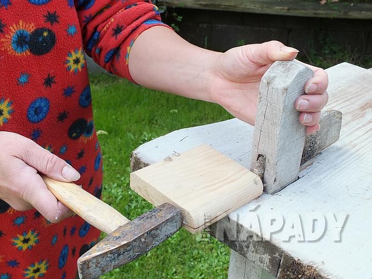 Zahradní lavice z borového dřeva s novou lazurou  3