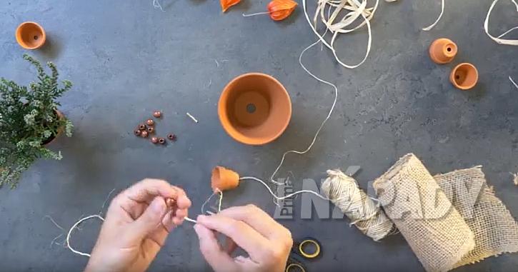 Panáček z květináčů: vytvořte ruce a nohy